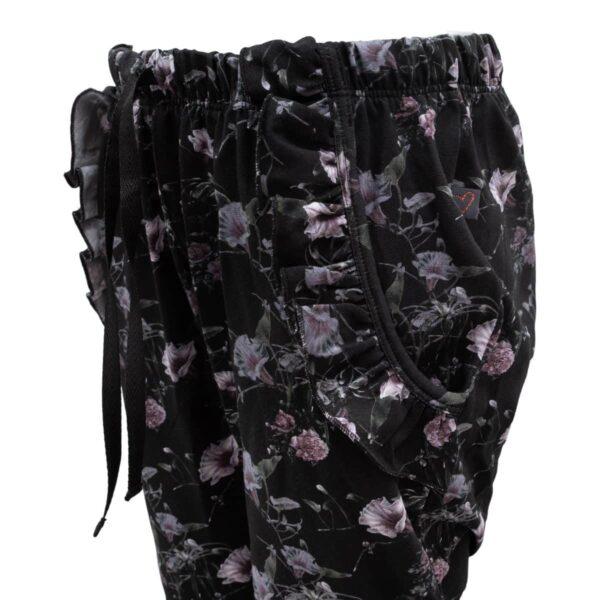 CR1 7700 Edit | Black Flower Saga Teen Baggy Pants med flæselommer