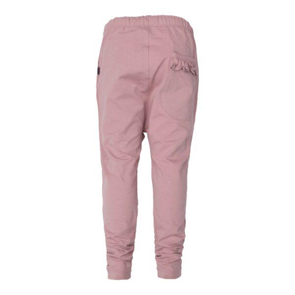 CR1 7809 Edit scaled   Saga Teen Baggy Pants i støvet rosa jersey