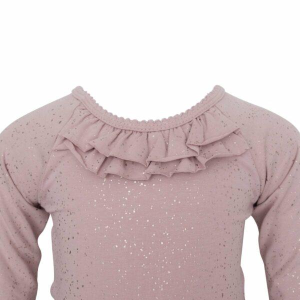 DR glimmer body front  1 | Støvet rosa body med flæse og glitter print