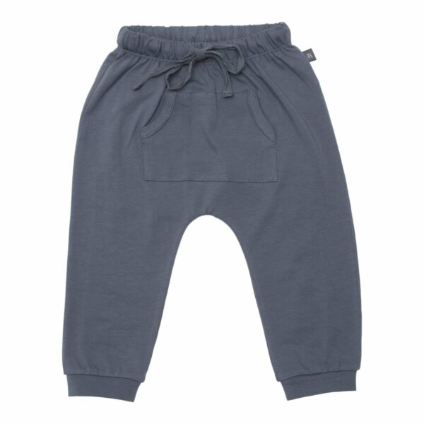Grey baggy pants front | Koksgrå baggy bukser med lommer til drenge