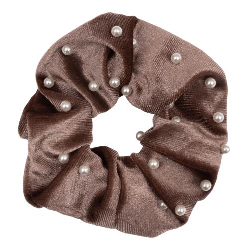 CR1 7840 removebg preview 1 | Velour brun Scrunchie med perler