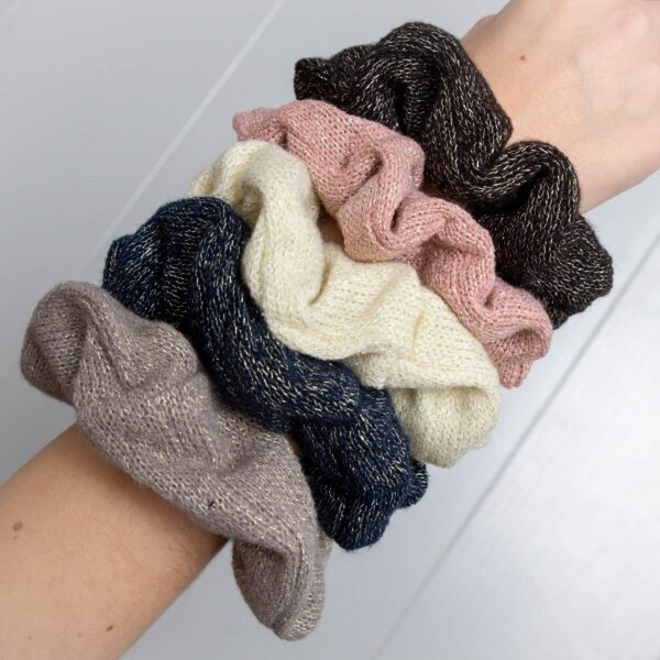 CR1 7958 scaled | Scrunchie Strikket sort glitter  fra Little Wonders