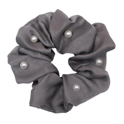 CR1 7984 Edit removebg preview 1 | Satin grå Scrunchie med perler